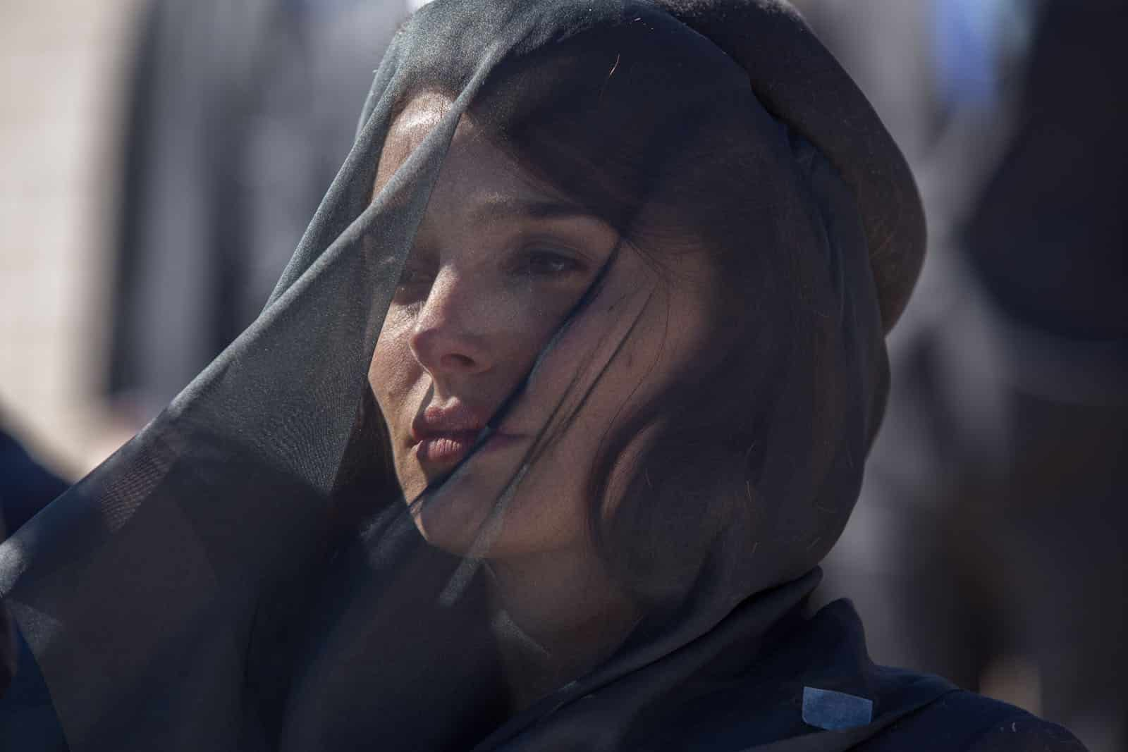 Natalie Portman en deuil dans le film Jackie de Pablo Larrain