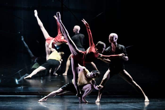 Le ballet électro-pop de Wayne McGregor électrise l'Opéra Bastille