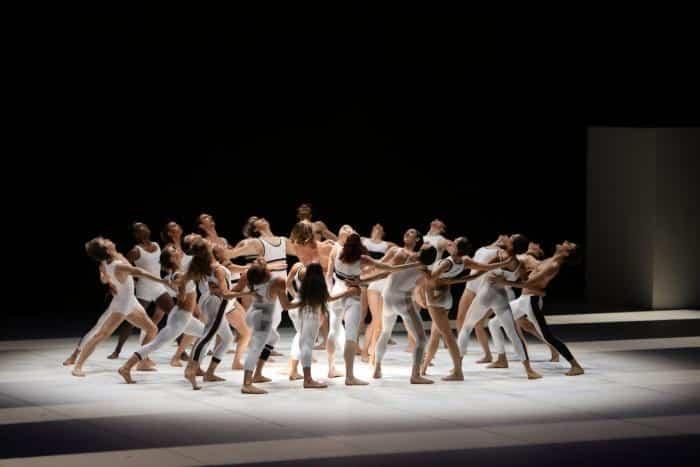 Le Presbytère, l'un des ballets les plus électriques de Maurice Béjart, revient à Paris à la rentrée