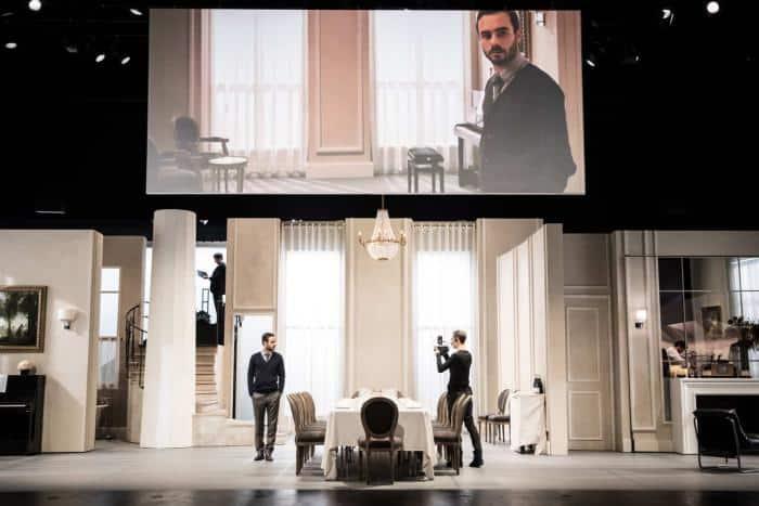 """""""Festen"""" orchestré d'une main de maître entre théâtre et cinéma par Cyril Teste, de retour à Paris"""