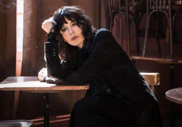 """Isabelle Adjani dans """"Opening Night"""" : l'insaisissable mystère d'une actrice fascinante sur les planches à New-York"""