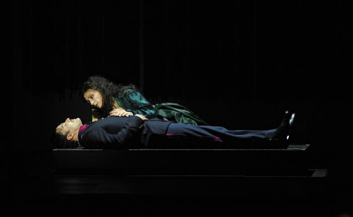 """la """"Passion"""" de Stephen Sondheim sous le regard noir de Fanny Ardant"""
