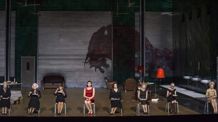 Iphigénie en Tauride, mise en scène de Krzysztof Warlikowski au Palais Garnier © Guergana Damianova / OnP